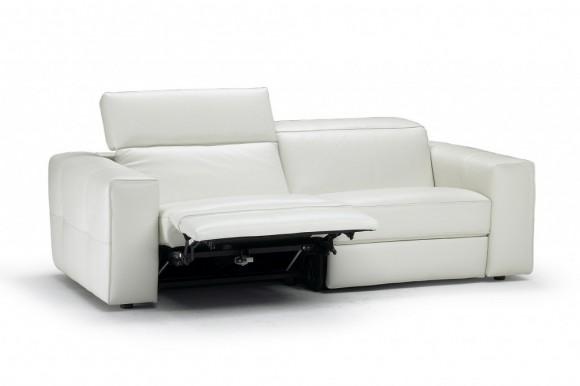 Relax e benessere con i divani natuzzi le shopping news for Offerte divani divani by natuzzi