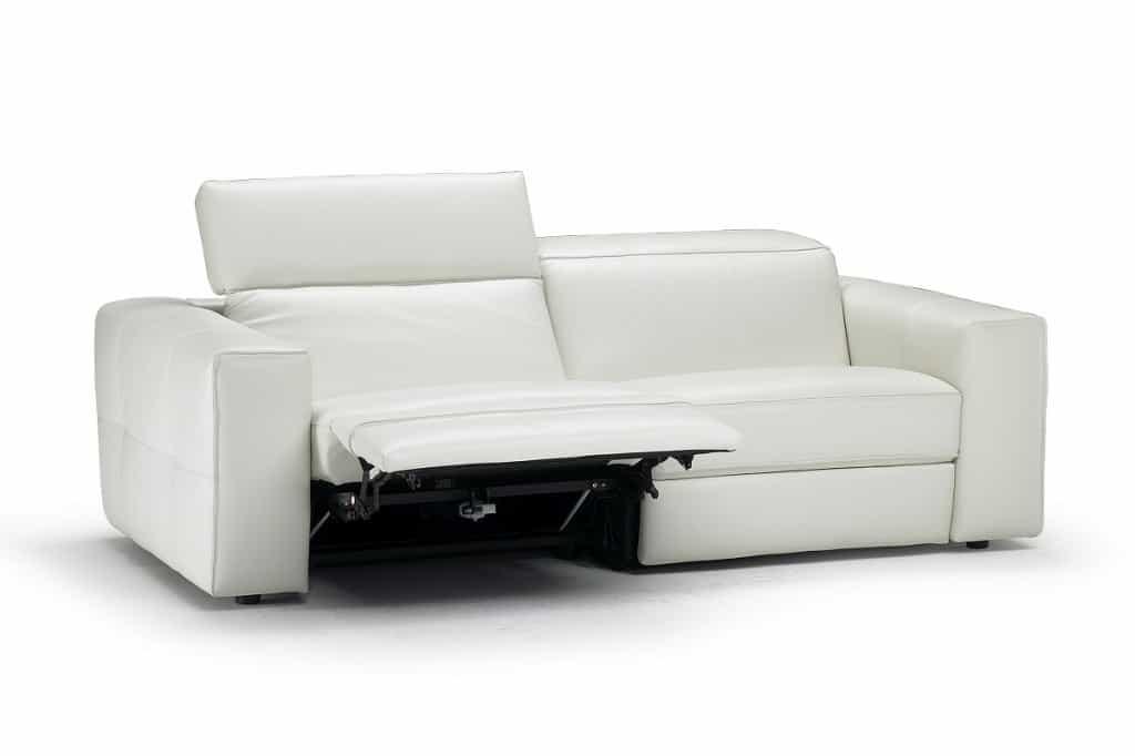 Relax e benessere con i divani natuzzi leshoppingnews for Divani e divani relax