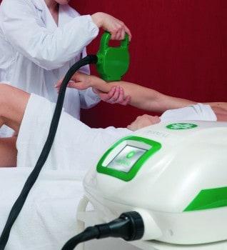 MED-LITE di Dermal Medical Division: come eliminare le anti estetiche macchie scure sulle mani
