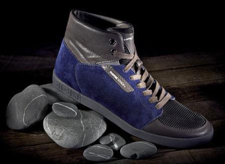 Momodesign presenta le sue nuove collezioni a i 2012 13 di for Nuove collezioni scarpe autunno inverno