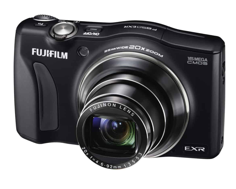 Eleganti e funzionali le nuove fotocamere compatte di Fujifilm
