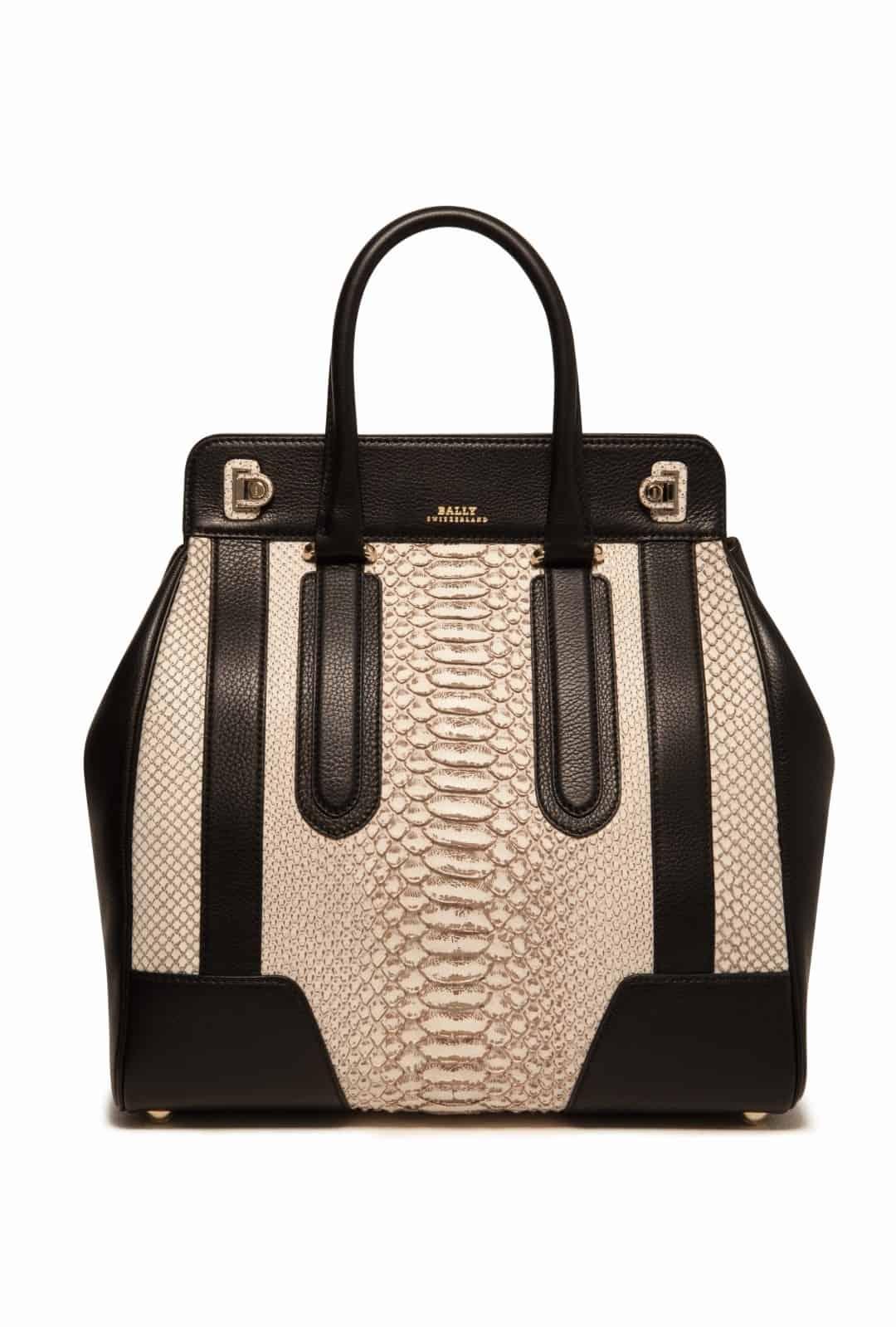 La borsa GRANDE DELFINA di Bally sinonimo di eleganza e raffinatezza