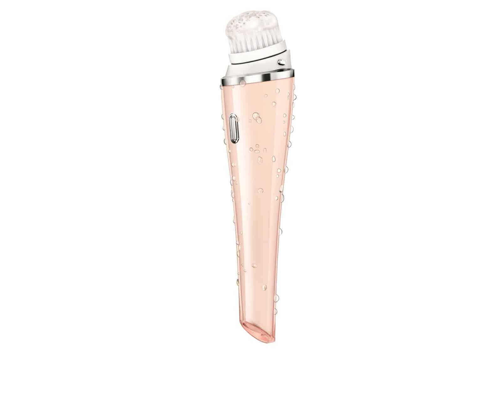 Al Fashion Camp 2013 Philips presenta VisaPure, la morbida spazzola che purifica l'epidermide