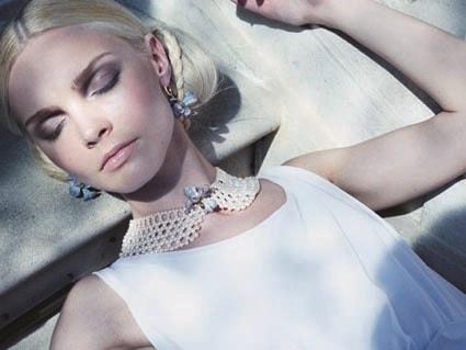 Un tocco di eleganza con il colletto di perle by Misis