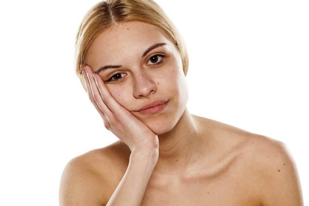 Pelle spenta? Con HYDRACID C20 Crema alla Vitamina C dei Laboratoires SVR il tuo viso appare più luminoso e tonico!