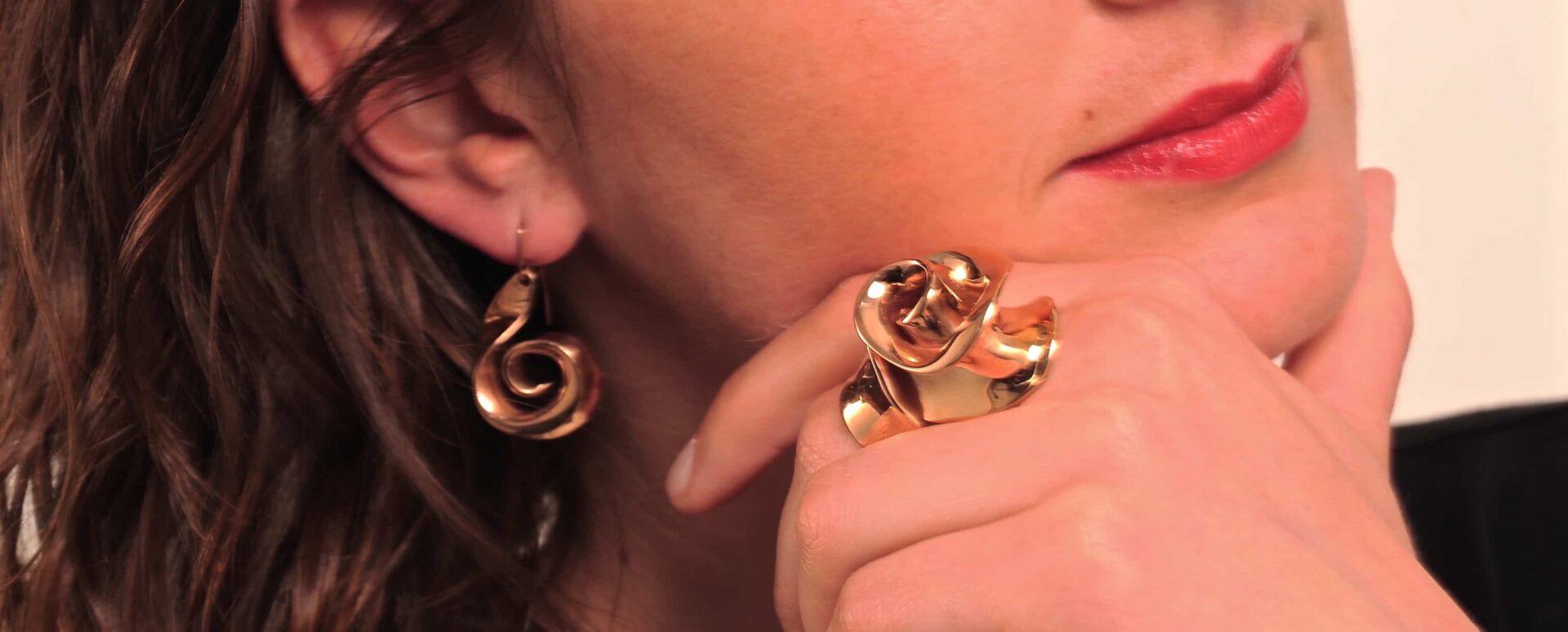 Originali ed inconfondibili gli anelli di Natsuko Toyofuku