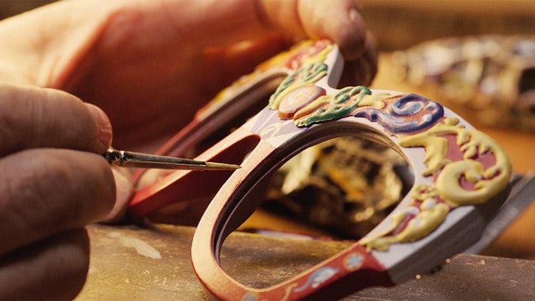 Dolce e Gabbana rende omaggio al Carretto Siciliano con una collezione speciale eyewear