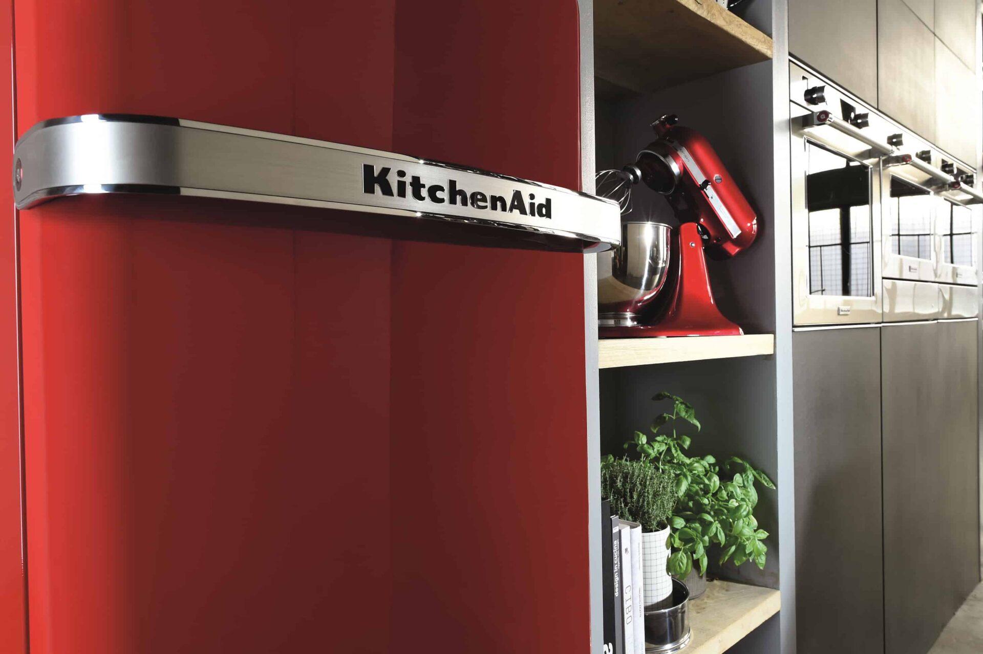 Iconic Fridge KitchenAid, l'iconico frigo dal sapore retro