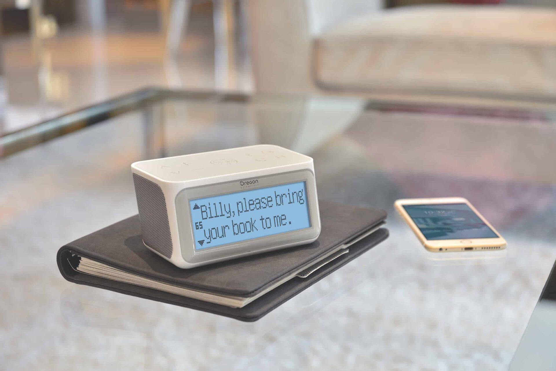 Smart Connected Clock con Internet Radio modello CIR 100 di Oregon Scientific