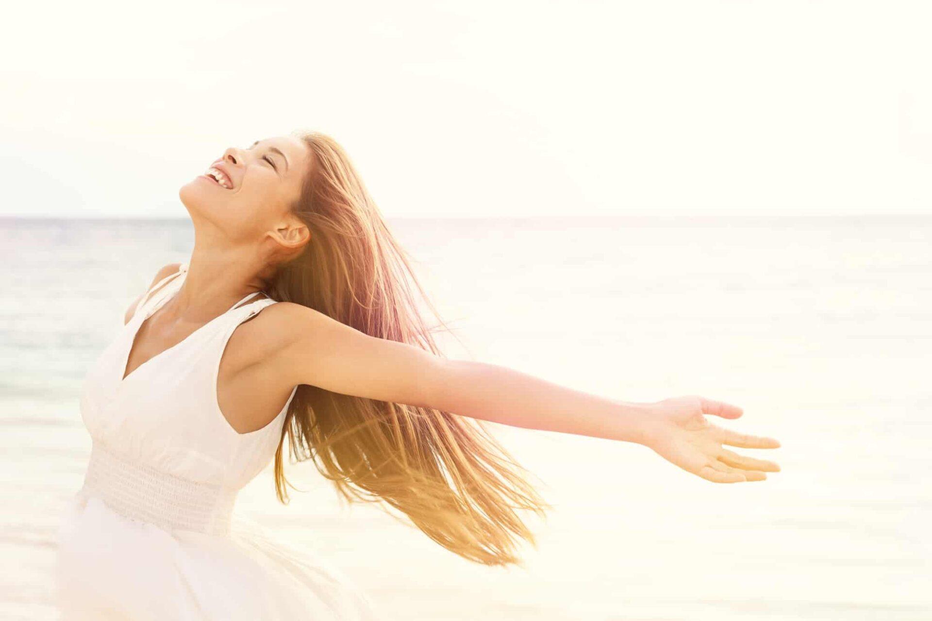 Veet consiglia i 10 prodotti che non possono mancare nel beauty delle vacanze
