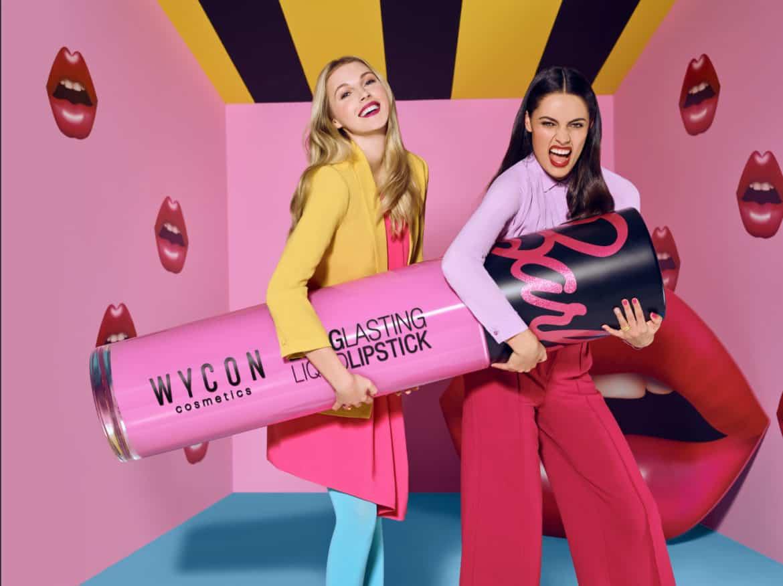 Wycon per la sua nuova collezione di lipstick si ispira alla mitica Barbie WYCON LOVES BARBIE