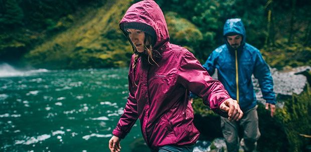 Firmate Columbia le giacche primaverili anti pioggia per lei e per lui