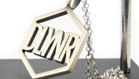 Stile streetwear per Dlynr, la nuova linea di gioielli lanciata da Dolly Noire
