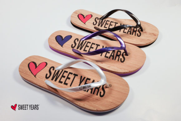 Frizzanti novità Sweet Years per l'estate 2018: swimwear gold, calzature glitterate, strass sugli accessori!