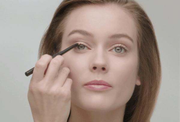 Stylo yeux waterproof di Chanel:  nuovi colori per un make up intenso e sensuale