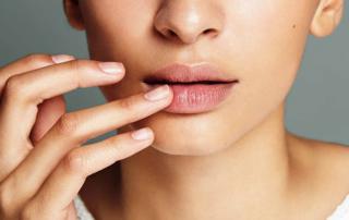 A San Valentino labbra vellutate al sapore di miele con l'Honey Lip Butter di Dia Beauty®