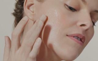 Extreme Firming Neck & Décolleté Cream by Ahava , crema rassodante della pelle del collo