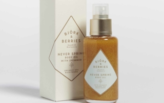 Shimmering Body Oil, l'olio illuminante firmato BJORK & BERRIES