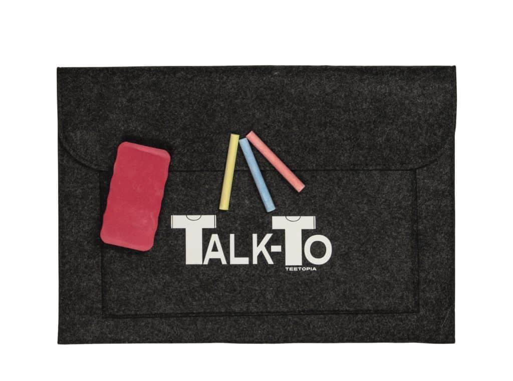 Talk-To, la lavagna da indossare by Teetopia