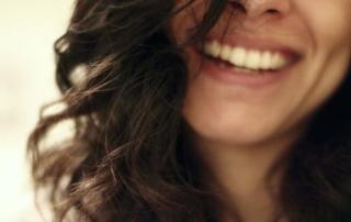Lo sbiancamento dentale: perché dovresti investire nel tuo sorriso