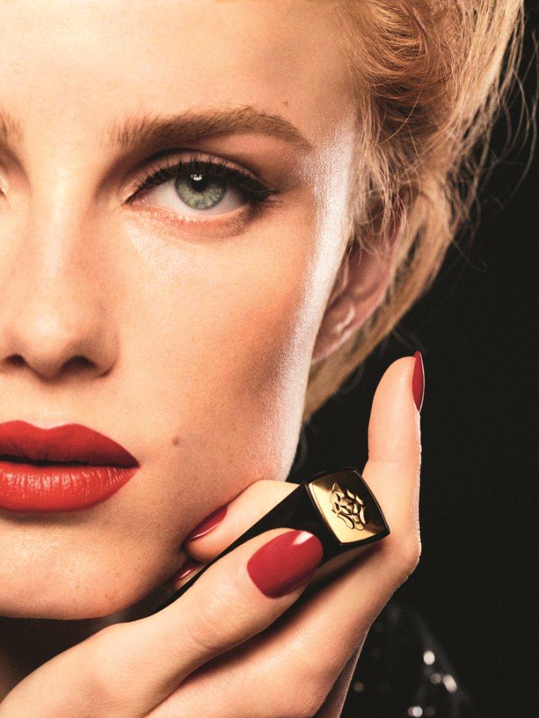 Chanel, il nuovo Rouge Allure Velvet Le Lion De Chanel