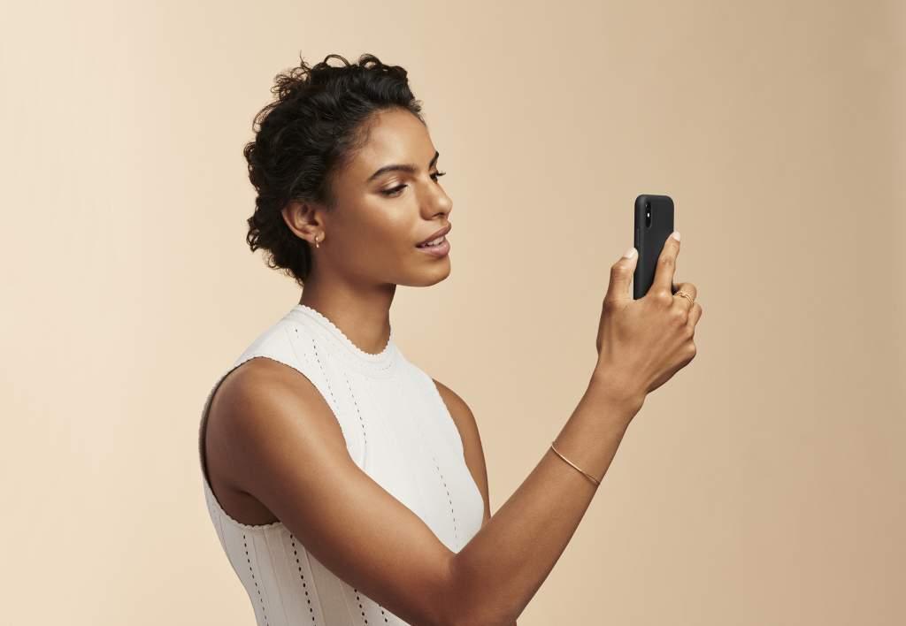 Estee Lauder, consulenze virtuali con esperti di bellezza