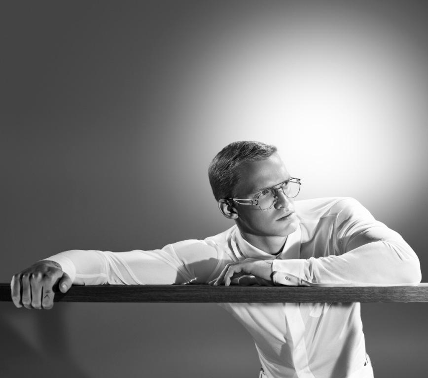 Cody Simpson X Versace Eyewear: occhiali per uomini di carattere