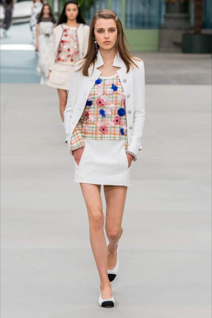 Moda abbigliamento tendenze inverno 2021, la minigonna